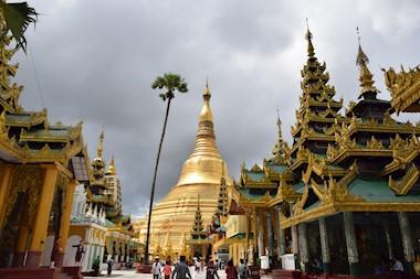 Yangon. Zlatne pagode i zgode u burmanskom trokutu